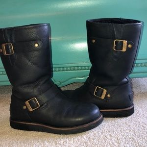 UGG black leather and sheepskin boots - size 8